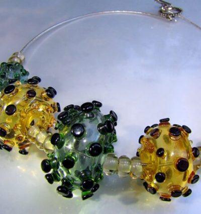 חרוזי זכוכית במבער - מכללת ורצברגר